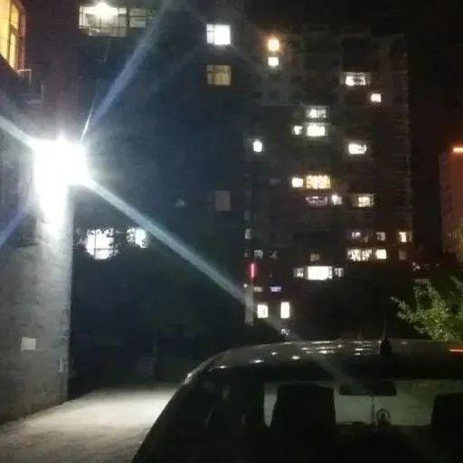 我为群众办实事   路灯照亮回家的路  温暖了居民的心